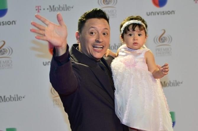 Acusan a Elvis Crespo de maltratar a su hija (+VIDEO)