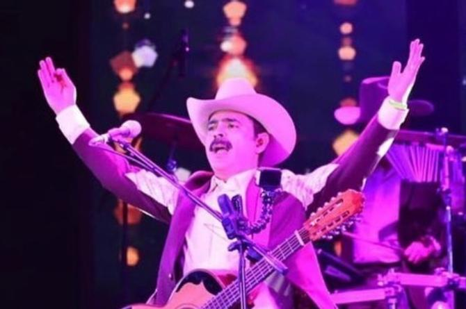 Los Tucanes de Tijuana ponen a Mazatlán a bailar La Chona