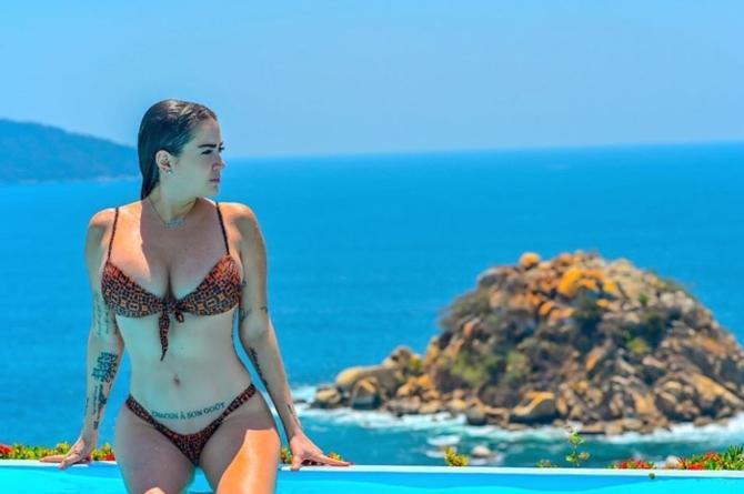 Celia Lora se moja con actriz porno en Instagram #FOTO