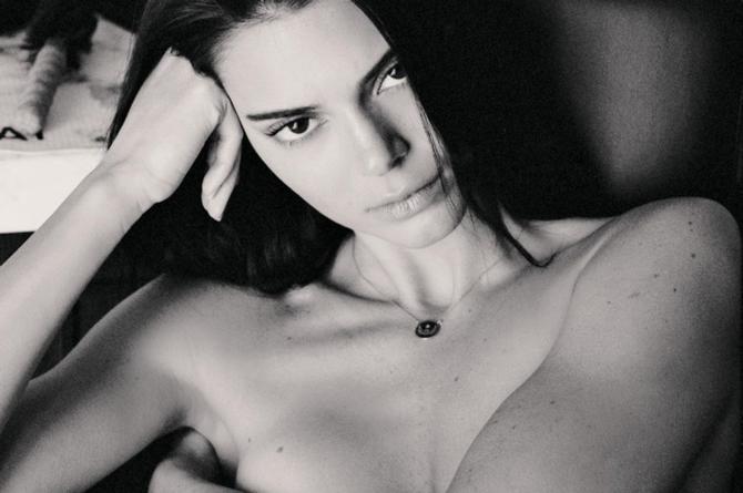 Kendall Jenner presume su sensual figura ¡Desnuda! #FOTO