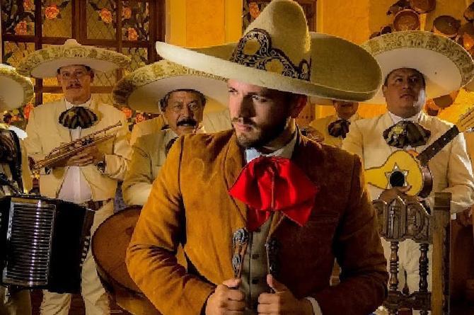 Pancho Uresti regresa con 'La Desconocida'