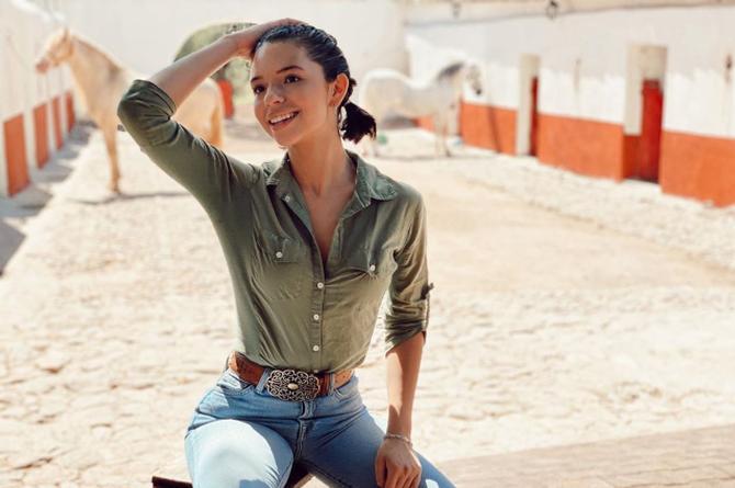Ángela Aguilar baila con su versión de 'Bidi Bidi Bom Bom' #FOTO