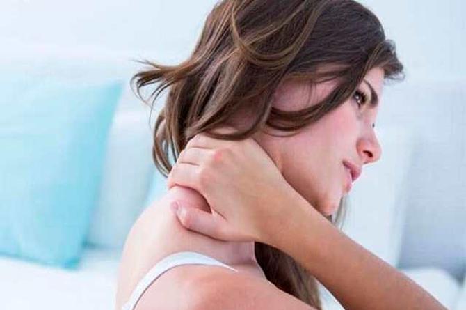 Tronar el cuello puede provocar un derrame cerebral o hasta la muerte