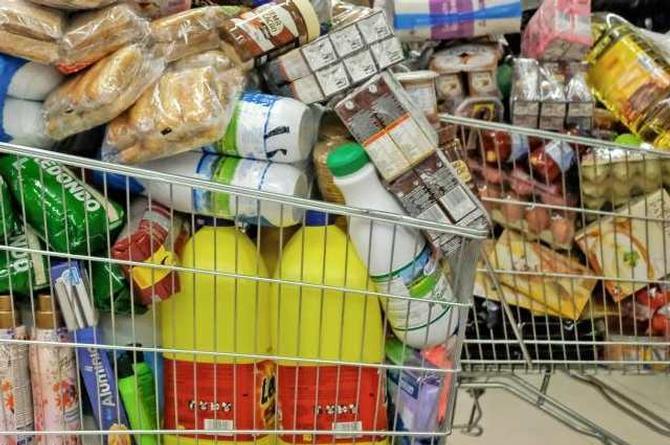 Así debes lavar y desinfectar las compras del supermercado