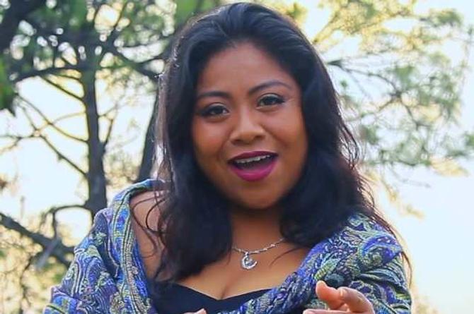Hermana de Yalitza Aparicio se lanza como cantante de regional mexicano (+videos)