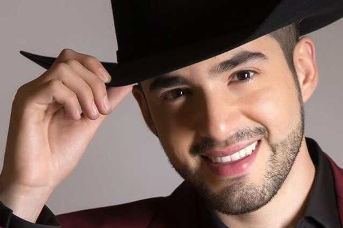 Jary Franco se mantiene en el número uno en México y EU con 'Dile' (+video)