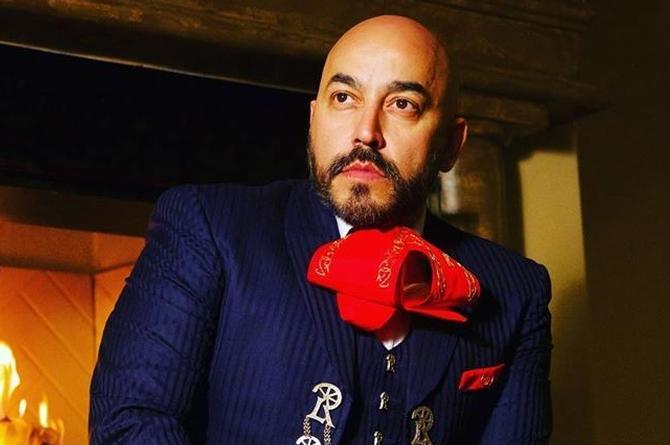 Lupillo Rivera reaparece con la canción 'Tóxicas' ¿será indirecta para Belinda? (+video)
