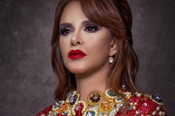 Lucía Méndez cachetea a Rey Grupero en programa en vivo (+video)