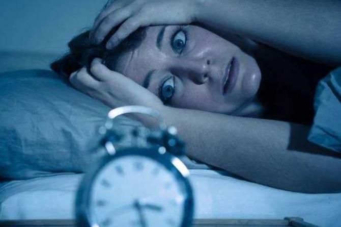 Evita problemas de sueño causados por el Horario de Verano