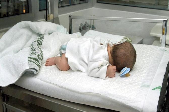 Nace bebé con tres penes en Irak; se trata del primer caso de trifalia humana
