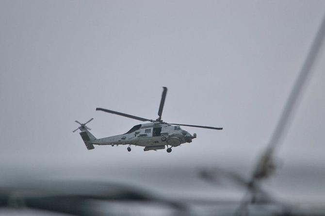 Youtuber ata a un hombre de un helicóptero y vuela unos minutos (+video)
