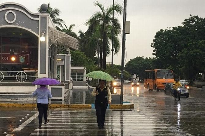 Pronostican temporal lluvioso en Veracruz; emiten aviso especial