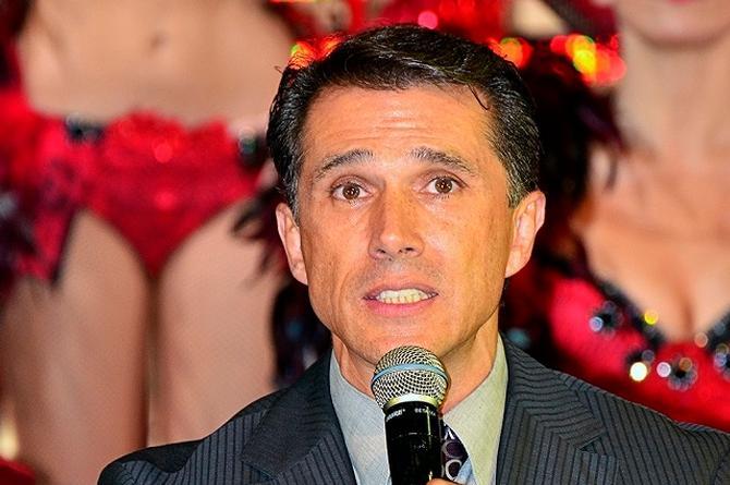 Sergio Mayer pierde el oído izquierdo; revela que tiene un virus