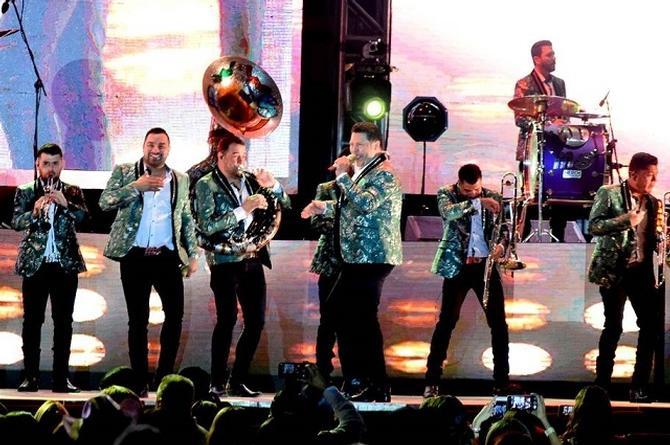 Banda MS llegó con banda y mariachi a Las Vegas